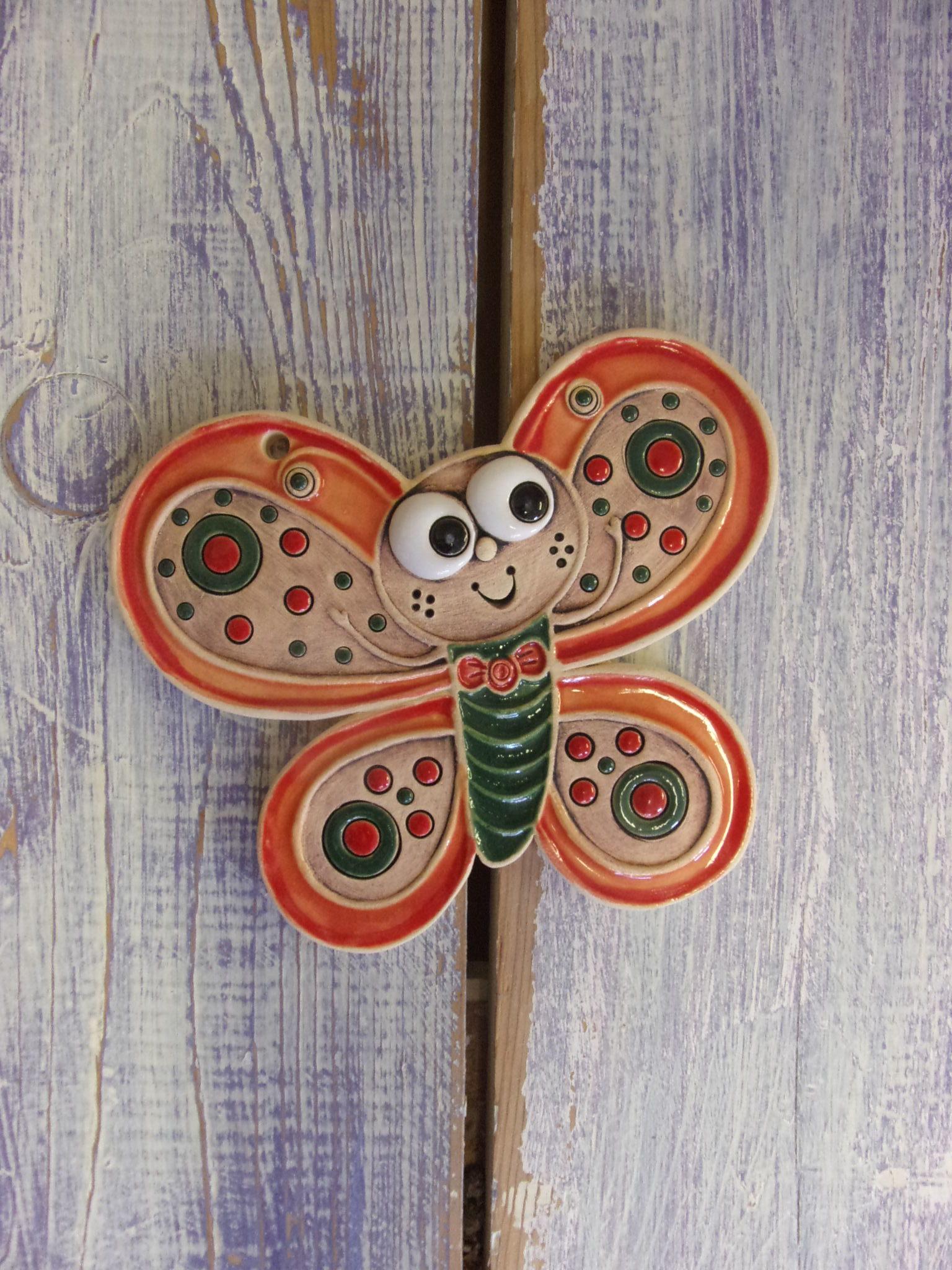 motýl na zeď