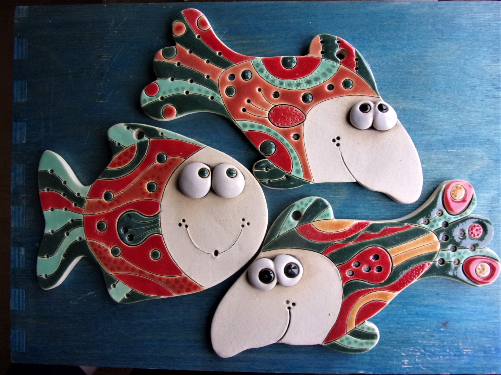keramické ryby na zeď